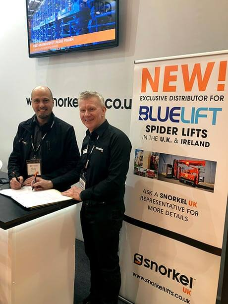 RUTHMANN Italia S.r.l and Snorkel UK sign the distribution agreement at the Executive Hire Show 2018